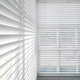 venetian-blinds-143enter